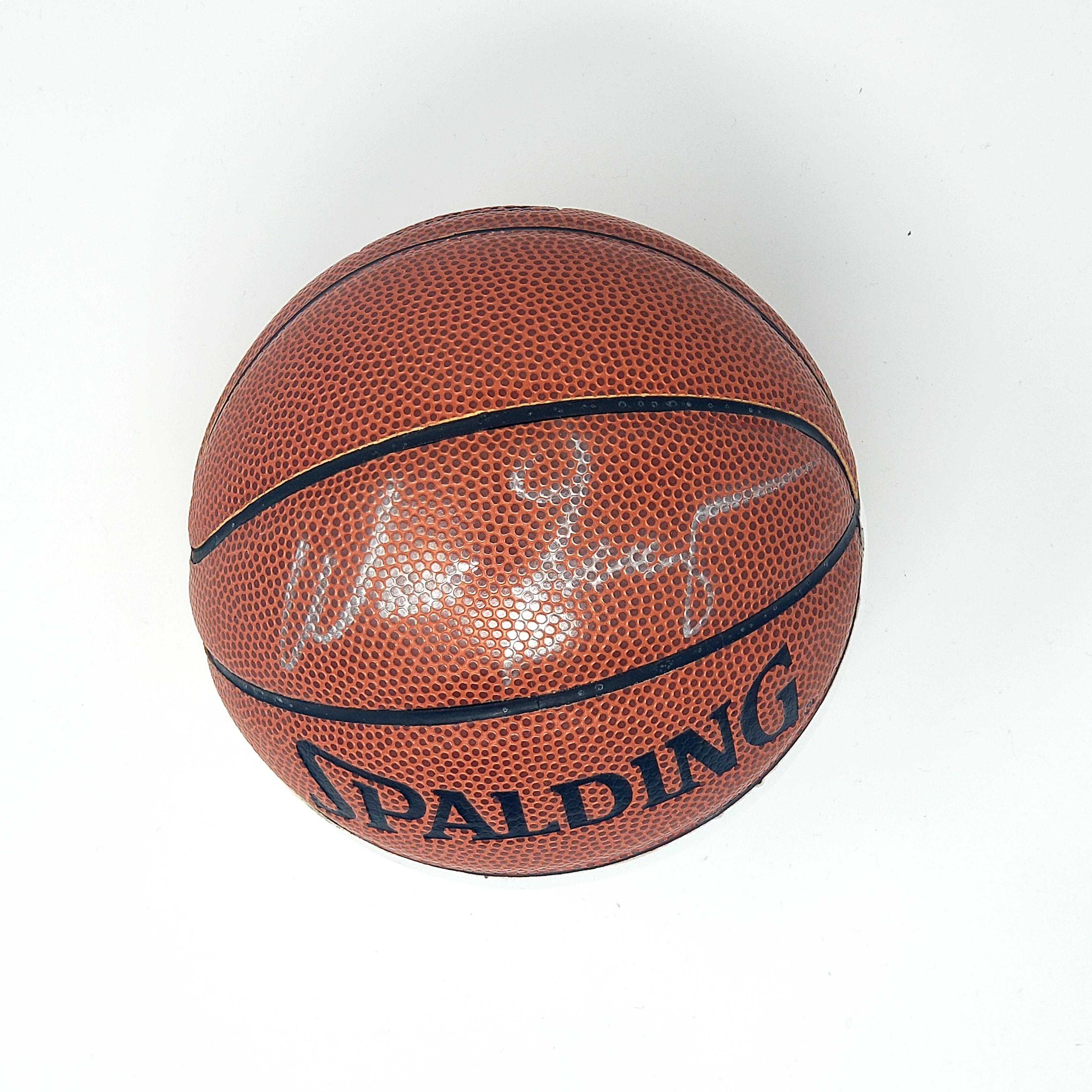 Nba Basketball New York Knicks: Walt Frazier Autographed Mini NBA Store Basketball New
